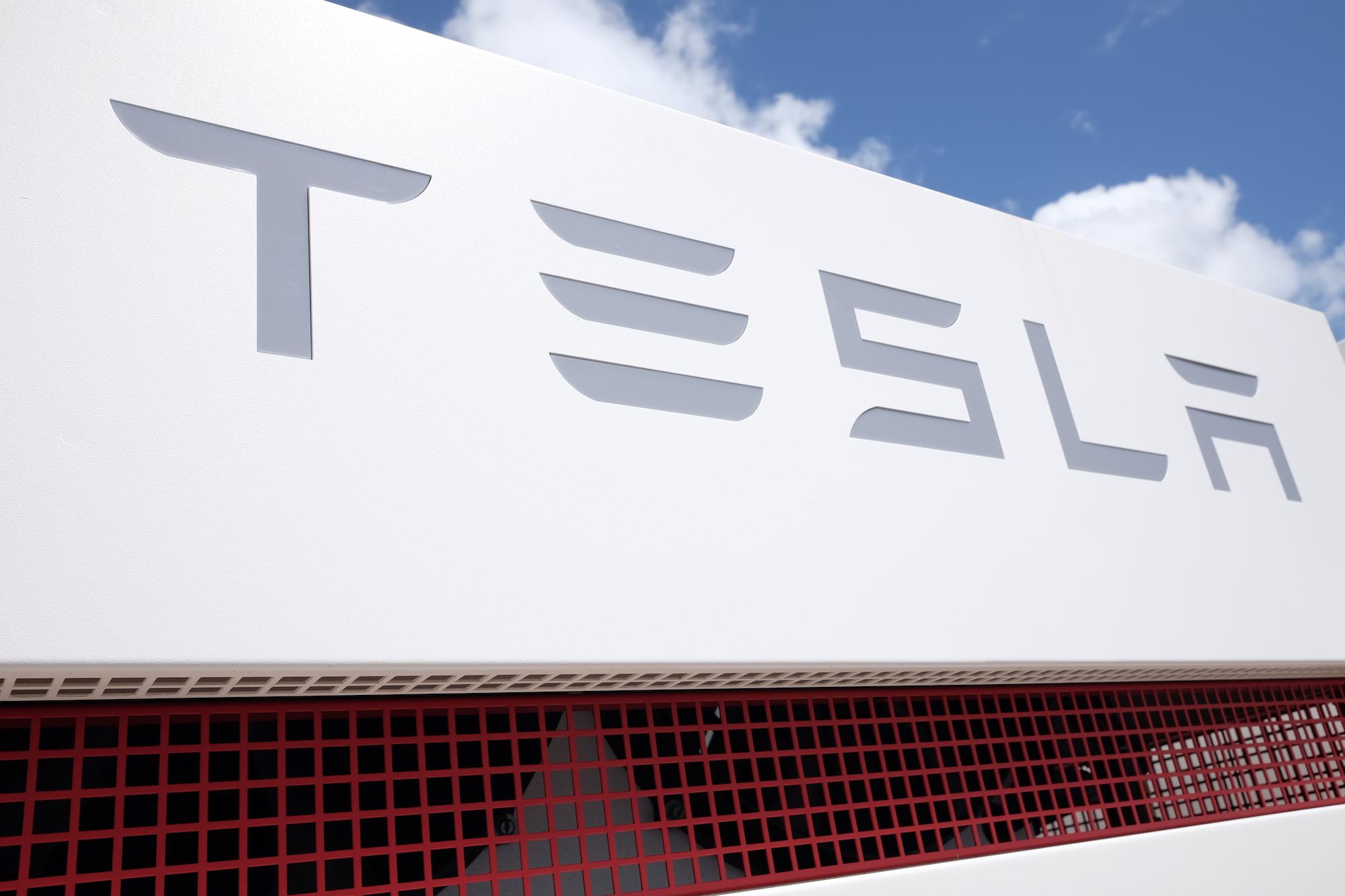 Tesla looks to take solar mainstream with Home Depot partnership